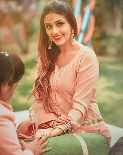 Aarti Chabria Gets Engaged In Mauritius