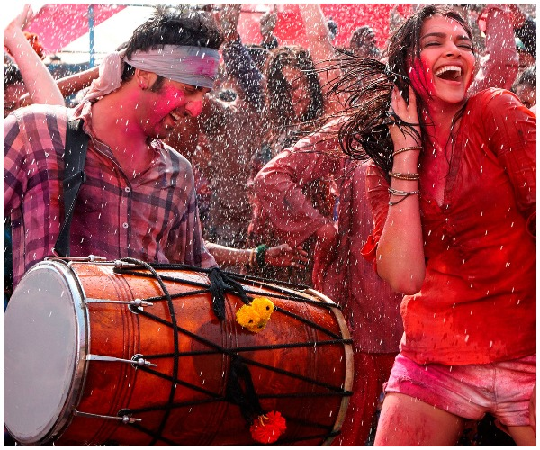 fun-romantic-ways-to-celebrate-holi-with-hubby-dance