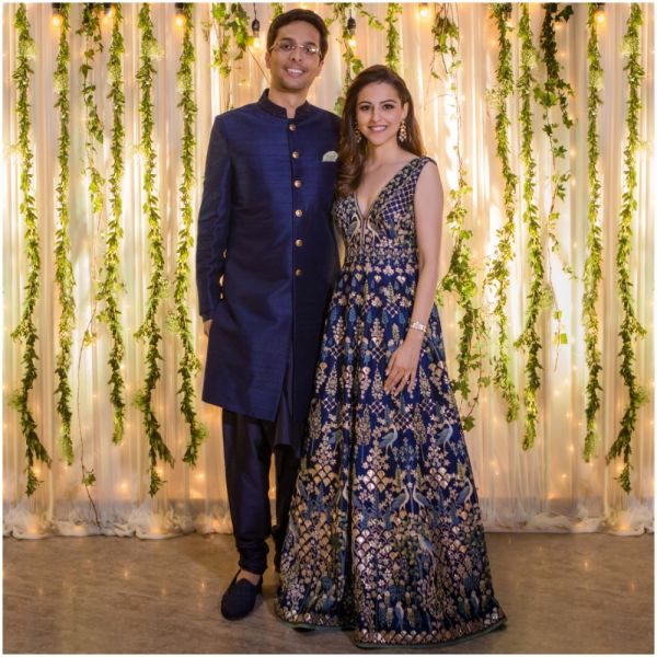 yash-dongre-benaisha-kharas-wedding-reception-couple