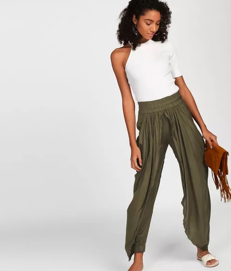 8-trousers-for-girls-who-are-bored-of-denim