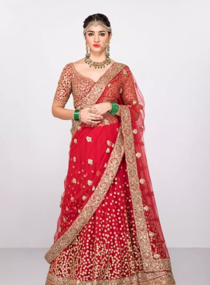1-sabyasachi-lehengas-on-rent-popxo