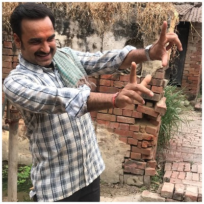 actor-pankaj-tripathi-gets-emotional-on-buying-his-dream-home-in-mumbai-1