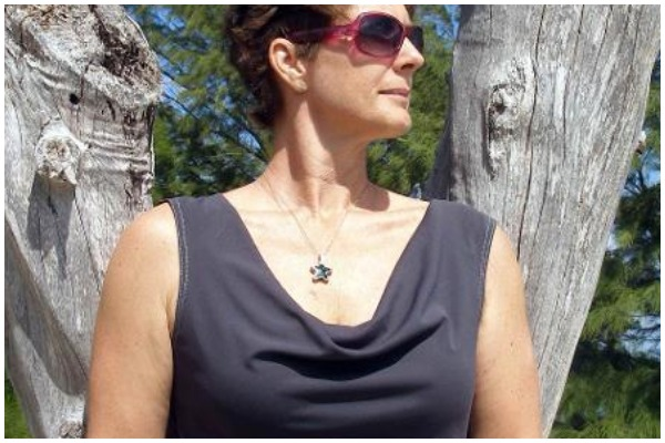 how-to-choose-necklace-for-different-necklines-in-hindi %289%29