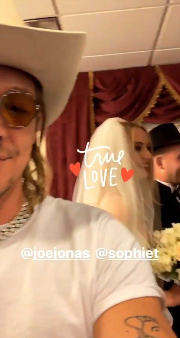 4-joe-jonas-and-sophie-turner-diplo