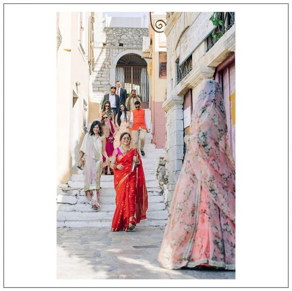 7-sabyasachi-bride-greece