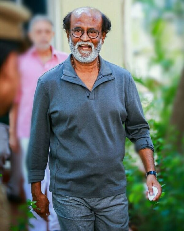 First Salaries Of These B-Town Stars Will Surprise You - rajnikanth