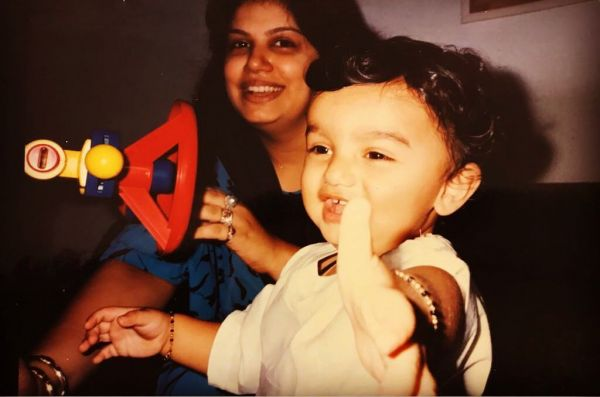 Arjun Kapoor with mom anshula