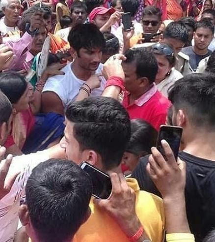1 sushant singh rajput welcomed by fans