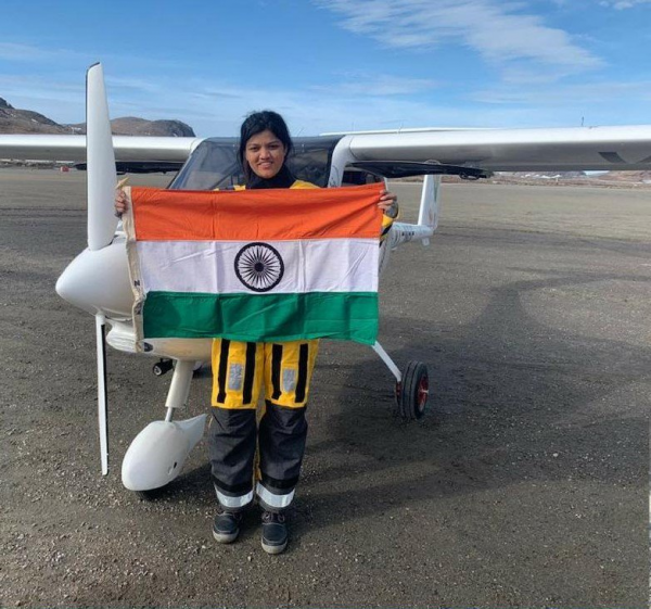 aarohi pandit holding the tricolor