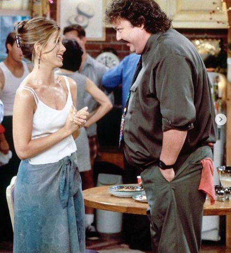 20-Rachel-Green's-Every-Chic-Outfit-On-Friends