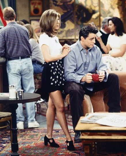 26-Rachel-Green's-Every-Chic-Outfit-On-Friends