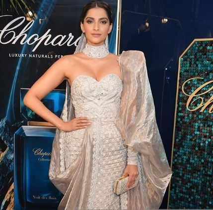 2 sonam kapoor in a silver gown at cannes 2019