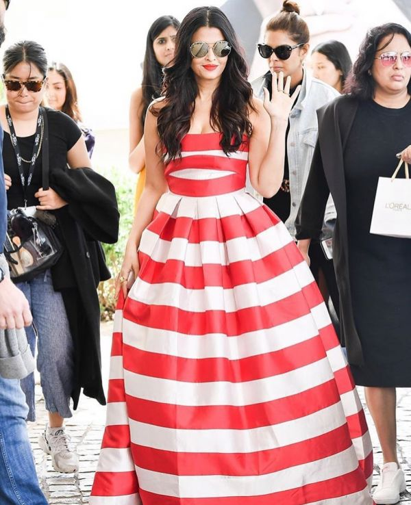 7-aishwarya-rai-bachchan-cannes-2019-red-and-white-gown
