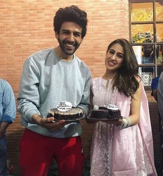 1 sara ali khan and kartik aaryan