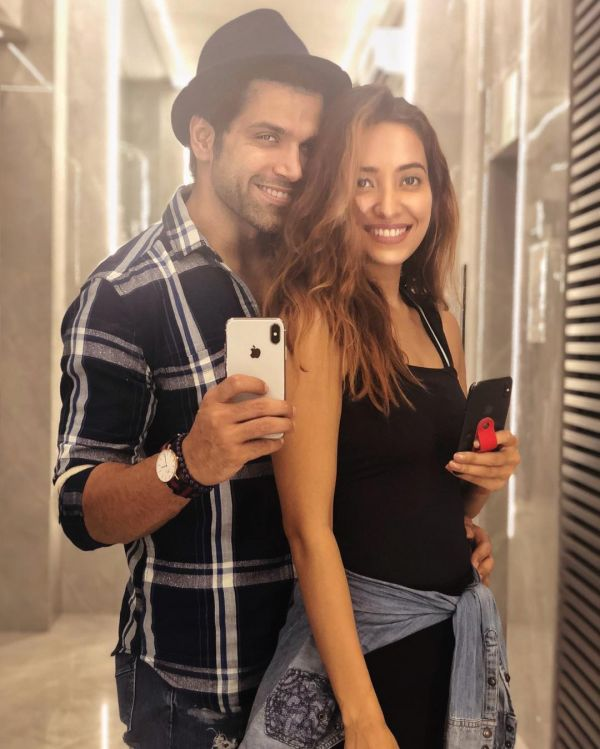 Asha Negi Reveals Her Marriage Plans With BF Rithvik Dhanjani- Mirror selfie