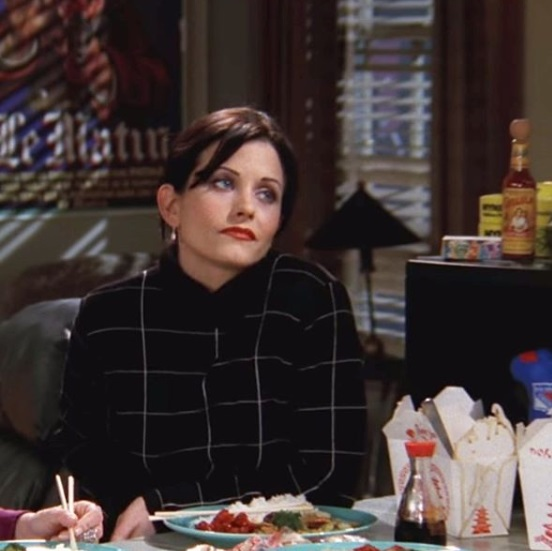 1-Monica-Geller-Every-Chic-Outfit-In-Friends