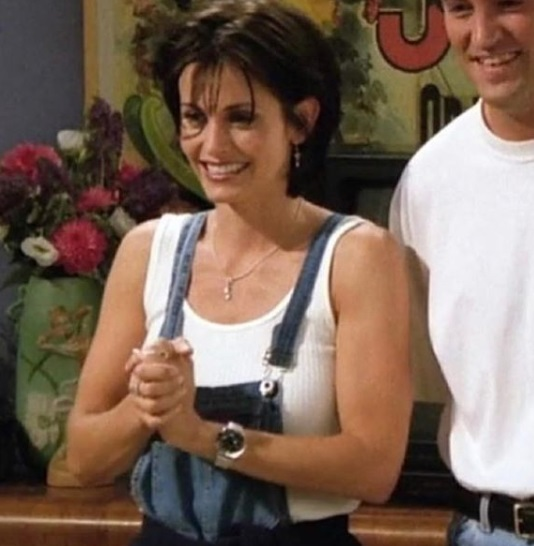 10-Monica-Geller-Every-Chic-Outfit-In-Friends