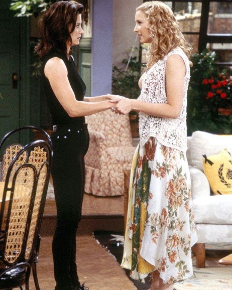 23-Monica-Geller-Every-Chic-Outfit-In-Friends