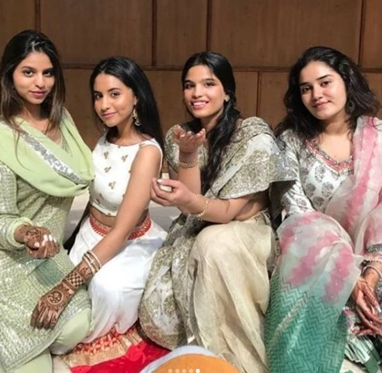 4 suhana khan with cousins