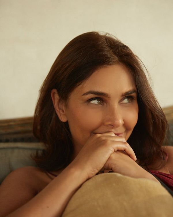 lisa ray close to the bone