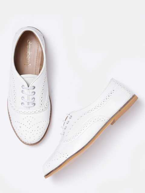 8.white sneakers