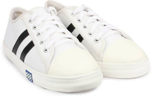 1.white sneakers