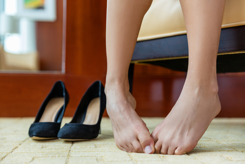 2 embarrassing beauty problems - smelly feet