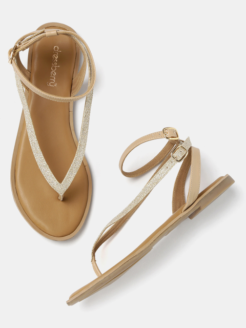 9 fashion essentials for college girls Gold Tone Flats