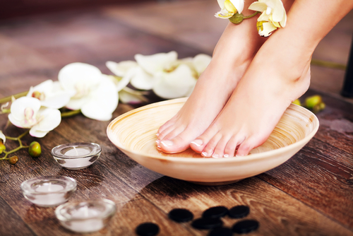 3 avoid bridal beauty disasters - pedicure pretty feet