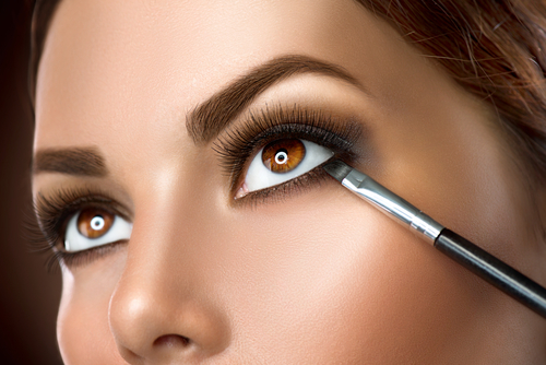 10 make your eyes look big - tightlining your eyes