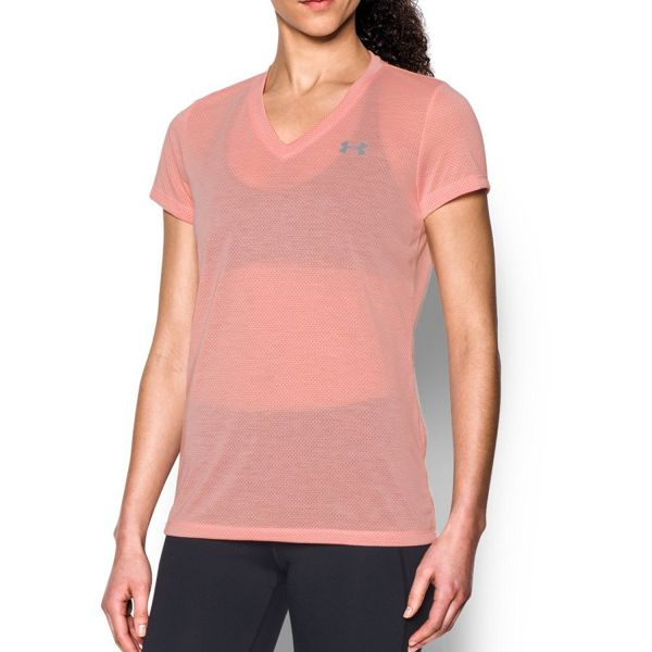 5 workout outfits pink tee shirt