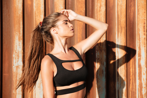 10 unexpected things girls wear that guys love - woman black swimwear