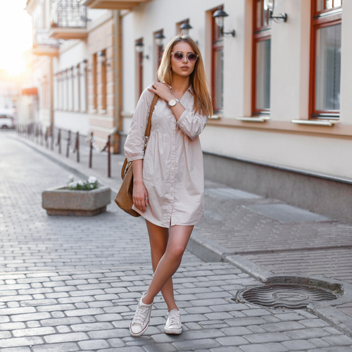 5 unexpected things girls wear that guys love - woman pretty shirt dress sunglasses