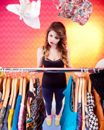 21 Thoughts That Go through Every Girl's Mind When She Opens Her Closet!