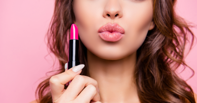 A Beginner's Guide On How To Apply Lipstick - The Right Way!
