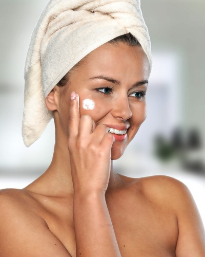 Zap That Zit! Super Simple Ways To Shrink A Pimple