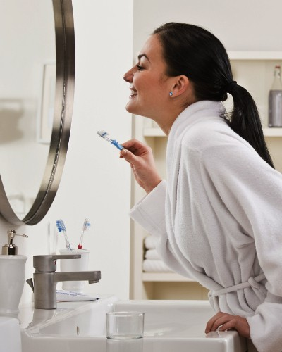 #HelloGorgeous: How To Use Your Toothbrush For Flawless Skin!