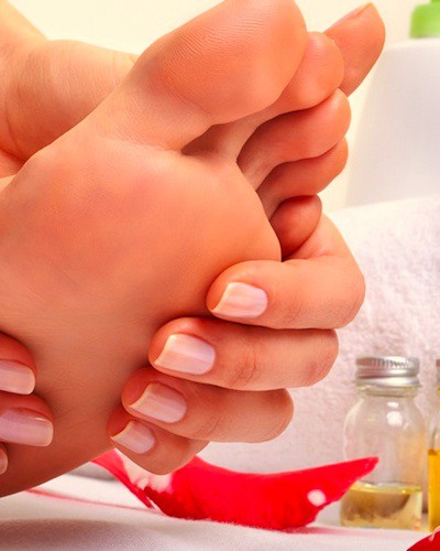 Here's How To Get Super-Pretty Feet – At HOME!