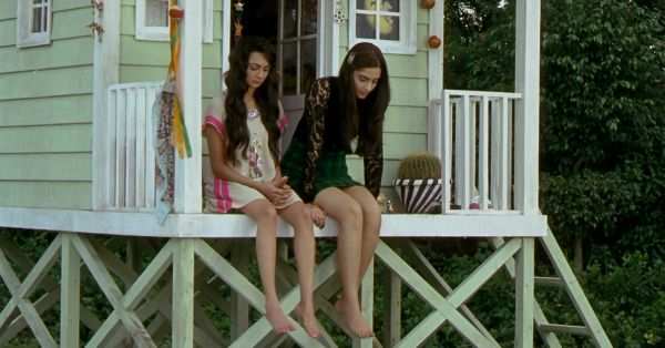 14 Things You'll Get If Your Childhood BFF Is Still Your Bestie