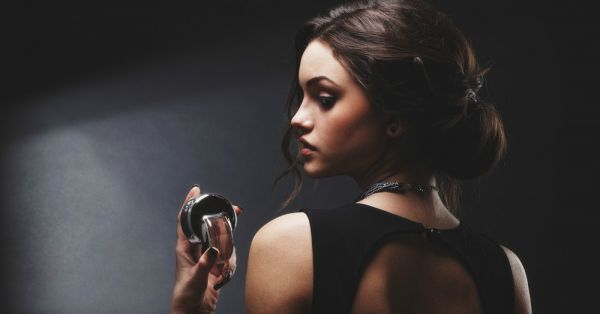 7 Places You SHOULD Be Applying Perfume (Not Just Your Neck!)