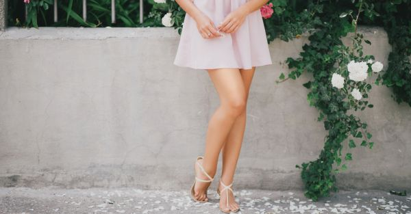 Yes, You CAN Look Tall In Flats! (7 Simple Tricks!)