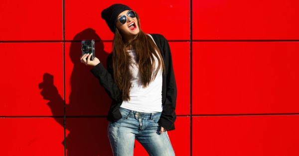 10 Fashionable Items EVERY College Girl Should Have!