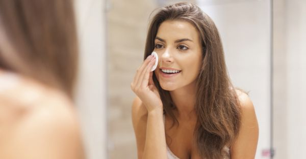 The Simplest Ways To Deal With Acne, Oiliness & Other Skin Woes!