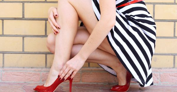 Top Tips To Style Skirts & Dresses For Girls With Bigger Calves