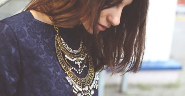 How To Wear Your Mom's Traditional Jewellery… With An LBD!