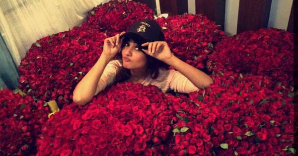 Sonal Chauhan Received 8,000 Roses! WHO Is Her Secret Admirer?!