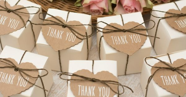 """7 Memorable """"Thank You"""" Gifts Your Wedding Guests Will LOVE!"""