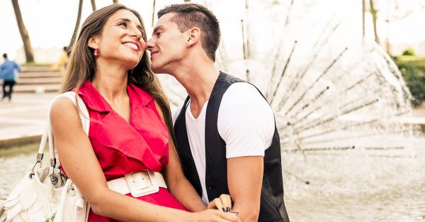 Confessions Of A Girl Who *Taught* Her Boyfriend How To Kiss!