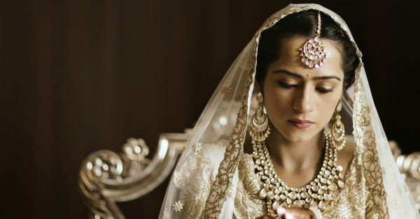 10 Brides Who Wore The Most Beautiful Maangtikas - We LOVE!
