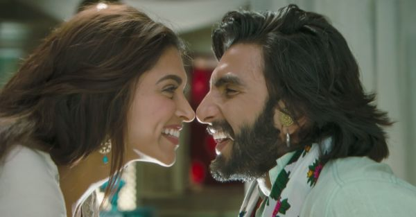 Be With A Guy Who Looks At You The Way Ranveer Looks At Deepika